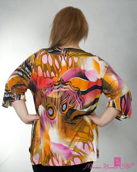 выкройка блузы с вырезом качели на спине.